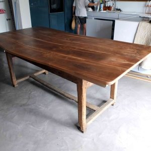 Plateau de table en noyer