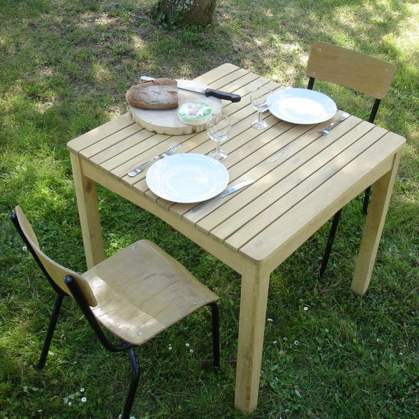 table de jardin en robinier