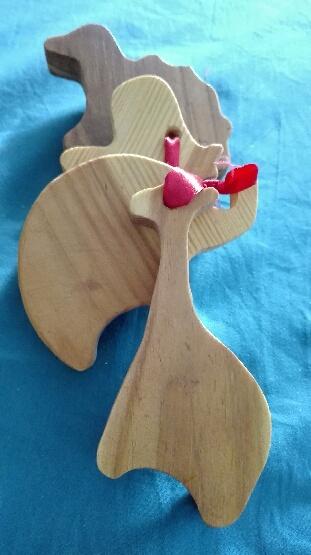 Figurines en bois recyclées